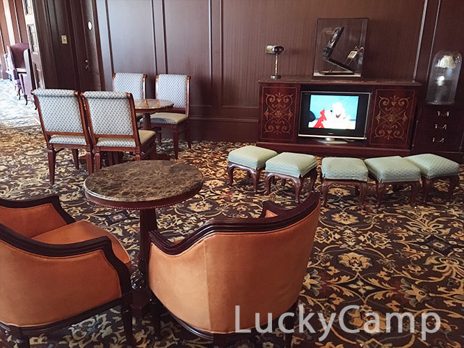ディズニーランドホテル コンシェルジュ サロン キッズスペース 画像